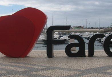 Desfile de marchas populares em Faro