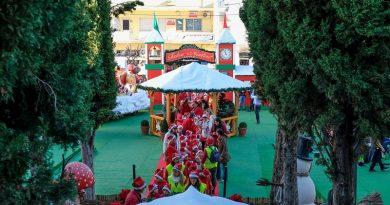 Parada de Natal na abertura da Aldeia dos Sonhos